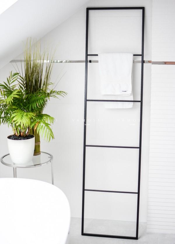 Stojak na ręczniki wieszak metalowa drabinka loft