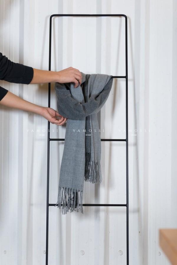 Stojak na ręczniki wieszak metalowa drabinka loft model 2